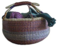 Handwoven Alaffia basket made in Ghana & Togo. Perfect for outdoor entertaining - Fill with throw blankets for guests or even fresh produce for a help yourself vibe! #summer #entertaining #houseware #basket