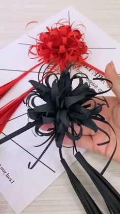 Cool Paper Crafts, Paper Flowers Craft, Paper Crafts Origami, Flower Crafts, Diy Paper, Paper Art, Diy Crafts Hacks, Diy Crafts Jewelry, Diy Crafts For Gifts