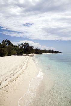 Una playa solitaria de Misali, un pequeño islote en el Índico frente a la isla de Pemba, en Tanzania.