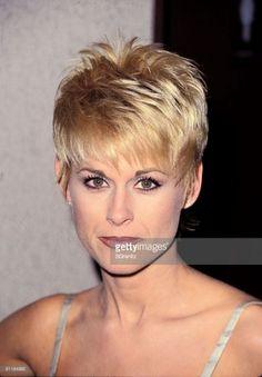 Lorrie Morgan Short Hairstyles