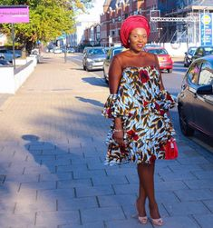 There is always something new to learn and feel each Sunday, and this was no exception. I had the pleasure of celebrating 20 years of… Short African Dresses, Latest African Fashion Dresses, African Print Dresses, African Print Fashion, Africa Fashion, Shoulder Off, African Traditional Dresses, Ankara Dress, African Attire
