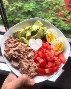 """465 Me gusta, 19 comentarios - Bajar Panza 💜 (@bajar_panza) en Instagram: """"Deja un """"HOLA"""" si te gusta las recetas❤️⤵ Y no deje de seguirnos -> @bajar_panza 🌹 - ¿Qué tal este…"""" Easy Dinner Recipes, New Recipes, Breakfast Recipes, Easy Meals, Healthy Recipes, Healthy Foods To Eat, Healthy Eating, Photo Food, Creamy Pesto"""