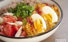 Zdrowa micha z soczewicą. Pomysł na obiad bez mięsa [PRZEPIS] Guacamole, Cobb Salad, Eggs, Breakfast, Ethnic Recipes, Pergola, Fitness, Morning Coffee, Egg