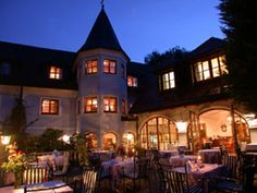 Salzburg Hotel Restaurant Doktorwirt**** Salzburg, Glaser Strasse Hotel in Salzburg: The address for your stay in Salzburg. Ontario, Fine Hotels, Welcome Decor, 4 Star Hotels, Front Desk, Outdoor Pool, Car Parking, Terrace, Mansions