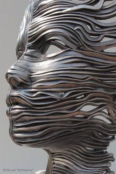 Perceiving the Flow: Human Figures Composed of Unraveling...