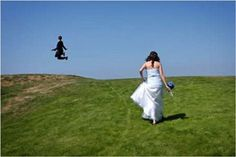WTF Wedding Pictures : theBERRY