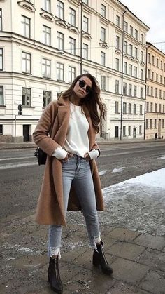 10 Simple Wardrobe Essentials For Women Minimal Classic Street Styles . 10 Simple Wardrobe Essentials For Women Minimal Classic Street Styles .,Outfits 10 Simple Wardrobe Essentials For Women Minimal Classic Street Styles . Preppy Fall Fashion, Winter Fashion Outfits, Fall Winter Outfits, Look Fashion, Womens Fashion, Fashion Edgy, Fashion Black, Winter Street Fashion, Ootd Winter