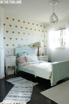 wall of gold hearts