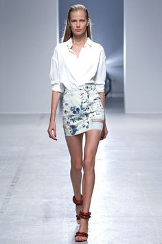 Anthony Vaccarello Spring 2014 RTW - Runway Photos - Fashion Week - Runway, Fashion Shows and Collections - Vogue Paris Fashion, Runway Fashion, Spring Fashion, High Fashion, Fashion Trends, Fashion Beauty, Fashion Inspiration, Rachel Roy, Christophe Decarnin