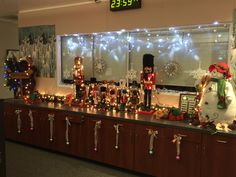 First Prize in a Christmas decorating contest sponsored by  Xybix Furniture on 2015!