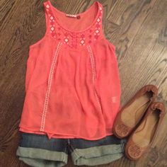 ☀️Perfect for summer!!☀️ Sheer tank with playful design. Beautiful coral color, light and airy feel. Gently used, no flaws. Tops