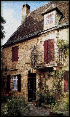 Une vieille maison - Dordogne, France.