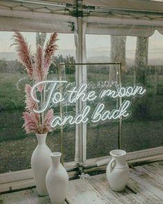 Özetle, çok pahalı ama çok güzel. Neon yazı atmosferle büyük bir uyum sağlamış. Neon diye illa kırmızı, yeşil, turuncu olacak diye bir şey yok tabii ki. Bu havayı daha ucuza yakalayabilir miyiz? Yakında alametifarika.com da . . . .  #wedding #engagement #weddingorganization #düğün #düğünorganizasyonu #düğünhazırlıkları #fotoğraf #photography #fotoğrafköşesi #photobooth #natural #flower #background #arkaplan #decor #decoration #weddingdecoration #chic #simple #diy #crafts #neon #diyandcrafts… Instagram Posts, Home Decor, Decoration Home, Room Decor, Home Interior Design, Home Decoration, Interior Design
