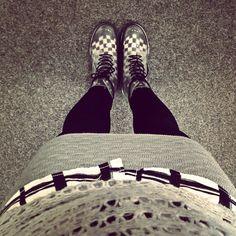 """//Outfit of the day - """"Square Dance""""  Socken: Happy Socks, Leggings: Hudson, Pulli: Vero Moda, Bluse: s.Oliver, Rock: Vero Moda, Schuhe: Primark  xoxo loo"""