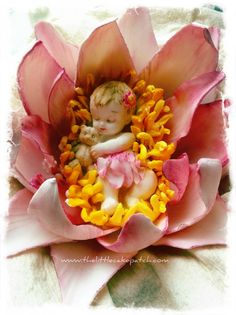 Waterlilly Fairy  Sugar Flower cake topper by J.Wieneke