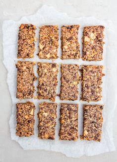 APPLE AND RAISIN GRANOLA BARS - easy to make, gluten free and vegan friendly