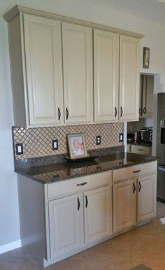 Kitchen cabinet makeover with general finishes antique for Best latex paint for kitchen cabinets