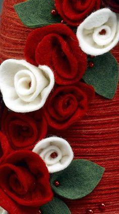 Como fazer flores de feltro laminados para um fio grinalda & Topiary Natal