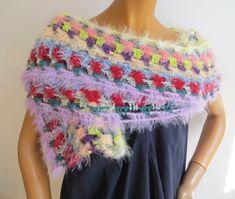 ein gehäkelter Schal, handmade, kuschelweich, auch für elegante Anlässe gedacht, Hingucker Elegant, Shawls, Crochet Necklace, Scarves, Fashion, Ponchos, Scarf Crochet, Handarbeit, Breien
