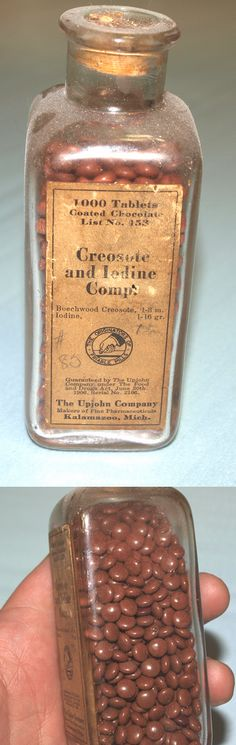 Antique Upjohn medical item: creosote and iodine tablets. Used to treat consumption, better known today as tuberculosis. Pills were tiny since creosote could only be given in small doses. (from my personal collection) Antique Bottles, Vintage Bottles, Bottles And Jars, Medical Science, Medical Care, Vintage Advertisements, Vintage Ads, Conquest Of Mythodea, Old Medicine Bottles