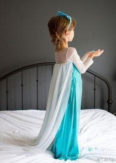 handmade elsa costume // skirt as top Kids Elsa Costume, Elsa Halloween Costume, Vestido Elsa Frozen, Frozen Elsa Dress, Elsa Kostüm Kind, Costume Dress, Cosplay Costumes, Little Girl Dresses, Flower Girl Dresses