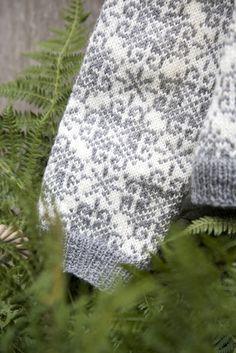 Leven Wensen - Kofte book Knitting Machine Patterns, Iceland, Diy, Ice Land, Bricolage, Handyman Projects, Do It Yourself, Diys, Diy Hacks