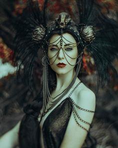 Greek goddess shoot the Role as Hades Model: Jessica Dru Headdress: Miss G… Steampunk, Larp, Estilo Tribal, Goddess Costume, Fantasy Photography, Woman Photography, Portrait Photography, Mystique, Vampire