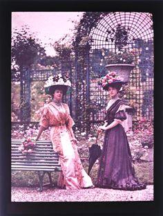 Lovely trellis in background. (But also...color photography 1907!!)  | Léon Gimpel - Roseraie de l'Haÿ, Paris, Juin 1907.