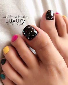 Luxuryのフットジェルネイルは…ファイル (爪の形を整える)↓フットバス (角質をふやかす)↓甘皮集中ケア... ネイルデザインを探すならネイル数No.1のネイルブック Toe Nail Art, Toe Nails, Nail Nail, Eyelash Salon, Mani Pedi, Eyelashes, Salons, Nail Designs, Pedicures