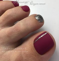 The advantage of the gel is that it allows you to enjoy your French manicure for a long time. There are four different ways to make a French manicure on gel nails. Fall Toe Nails, Pretty Toe Nails, Cute Toe Nails, Toe Nails Red, Fall Pedicure, Pedicure Nail Art, Manicure And Pedicure, Toe Nail Color, Toe Nail Art