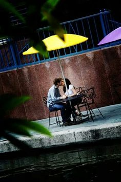 San Antonio Riverwalk engagement session - FACES by jessica