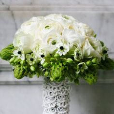 bridal bouquet, green and white, change handle to black and white from bollea.com