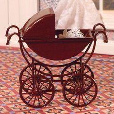 Nursery Dolls' House Furniture