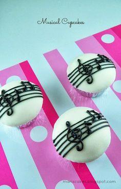 Cupcakes Musicales y Cómo Cubrir un Cupcake con Fondant
