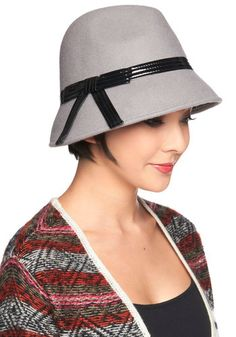 Modcloth The Cloche is Ticking Hat. Classic 1920s style. #styleicon #modcloth