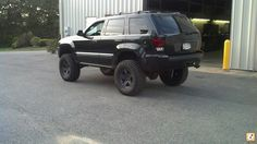 Hmm so this is what a lift looks like.Superlift OME HD coils up front, with one coil cut. 2 inch spacer in the rear and Bilstien on all 4 corners. Jeep Cherokee Accessories, 2005 Jeep Grand Cherokee, Jeep Wk, Cherokee Laredo, Small Trucks, Jeep Stuff, Diesel Trucks, Jeep Life, Offroad