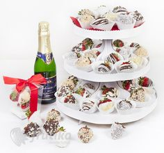 Strawberry tower for any Christmas party http://www.frutiko.cz/en/strawberry-tower