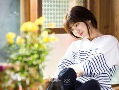 Have a great Saturday everyone. Korean Actresses, Korean Actors, Korean Dramas, Park Shin Hye Drama, Doctors Korean Drama, Kim Rae Won, Korean Photo, Kbs Drama, Jun Ji Hyun