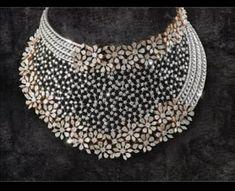 Saved by radha reddy garisa Indian Jewelry Sets, Bridal Jewelry Sets, Bridal Sets, Gold Earrings Designs, Necklace Designs, Fancy Jewellery, Diamond Jewellery, Diamond Necklace Set, Fashion Jewelry