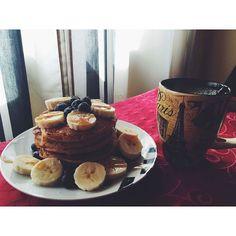 Delicious pre workout #breakfastofthechampions  Oat & salted caramel whey pancakes  @mws.pt #strongwomen  #dayoff #eatcleantraindirty #crossfitgirls #crossfit #spartanchicks #spartantraining #womenshealthportugal #fitnesshut #fitnessjourney #fitgirls #gettinthere #girlsthatlift #girlsthatsquat #agachaquecresce #healthybody #healthychoices #nopainnogain #survivorsrun #ig_portugal #igerscommunity #igersworldwide #vsco #vscocam #vscocamportugal #vscogood #vscodaily( # @andreiasas)