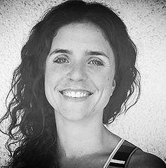 Ana María Vidaurre: Nutricionista en Medicina Integrativa. Recibe consultantes de todas las edades que, por indicación médica o iniciativa propia, necesitan usar sus alimentos con fines terapéuticos, o bien, para aprender a alimentarse natural y equilibradamente.