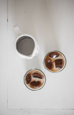 Coffee ice cube latte | coffee & tea . Kaffee & Tee . café & thé | Food. Art + Style. Photography @ offbeatandinspired |