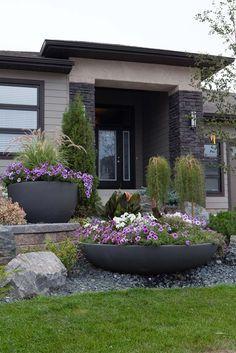 planters in garden - Hľadať Googlom