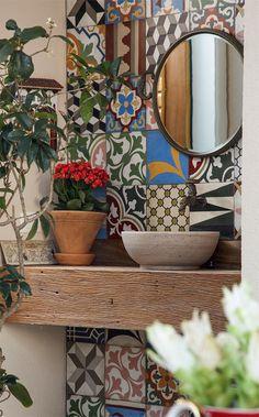 Idee per decorare le pareti del bagno - Maioliche in bagno Ideas for decorating the walls of the bathroom - Majolica in the bathroom Home Design, Design Design, Design Trends, Design Ideas, Bathroom Inspiration, Interior Inspiration, Inspiration Boards, Sweet Home, Interior Decorating