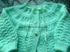 Crochet ideas that you'll love Baby Knitting Patterns Free Newborn, Baby Cardigan Knitting Pattern Free, Knitting Patterns Boys, Baby Hats Knitting, Knitting Designs, Baby Patterns, Baby Sweaters, Girls Sweaters, Baby Girl Dresses Diy