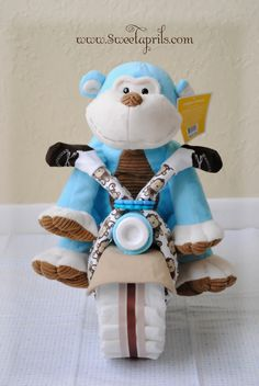 Sweetaprils: Motorcycle Diaper Cake Tutorial {DIY-How to Make a Diaper Motorcycle}<< OMGEE! Making this for the next baby shower I host instead of a diaper cake! Baby Shower Cakes, Idee Baby Shower, Shower Bebe, Baby Shower Gifts For Boys, Baby Shower Diapers, Baby Shower Parties, Baby Boy Shower, Baby Showers, Shower Party