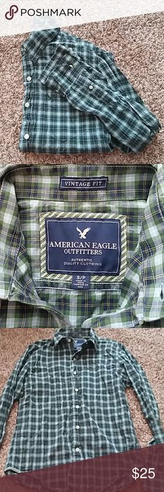 AEO Men's plaid casual button down shirt, EUC Men's American Eagle Outfitters small vintage fit plaid shirt. Excellent used condition, blue, green, and yellow plaid button down shirt with white buttons. One front pocket, all buttons present.   Offers and questions are encouraged! American Eagle Outfitters Shirts Casual Button Down Shirts