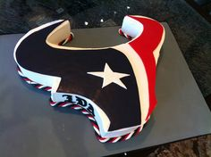 Cool Groom Cakes for Football Season « Austin's Wedding Guide – Famous Last Words Houston Texans Cake, Houston Texans Football, Denver Broncos, But Football, Football Season, American Football, Bulls On Parade, Sport Cakes, Cake Creations