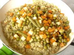» Quinoa cu legume bio hiposodateCulorile din Farfurie Quinoa, Oatmeal, Vegetables, Breakfast, Recipes, Food, The Oatmeal, Morning Coffee, Rolled Oats