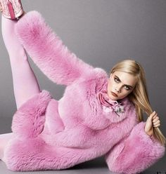 Indulge in in the most recently released stylish runway trends in a thick snug luxury faux fur overcoat this Fall- Winter season. Please refer to our Universal size chart for women. Cara Delevingne, Fur Fashion, Pink Fashion, Trendy Fashion, Pink Faux Fur Coat, Fur Accessories, Stylish Coat, Kawaii, Fox Fur
